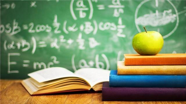 Manca solo un mese alla prima esperienza del tema di matematica e fisica alla maturità scientifica.